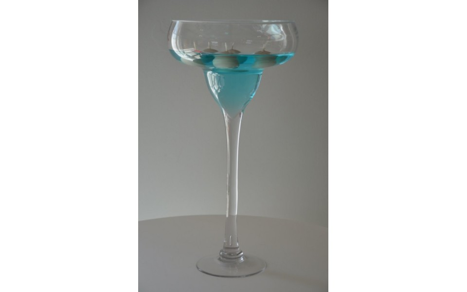 location vase verre coupe sur pied dauphin r ception. Black Bedroom Furniture Sets. Home Design Ideas